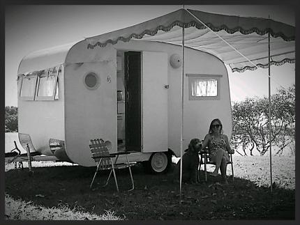 59794a0701dff7 1963 Retro Vintage Caravan