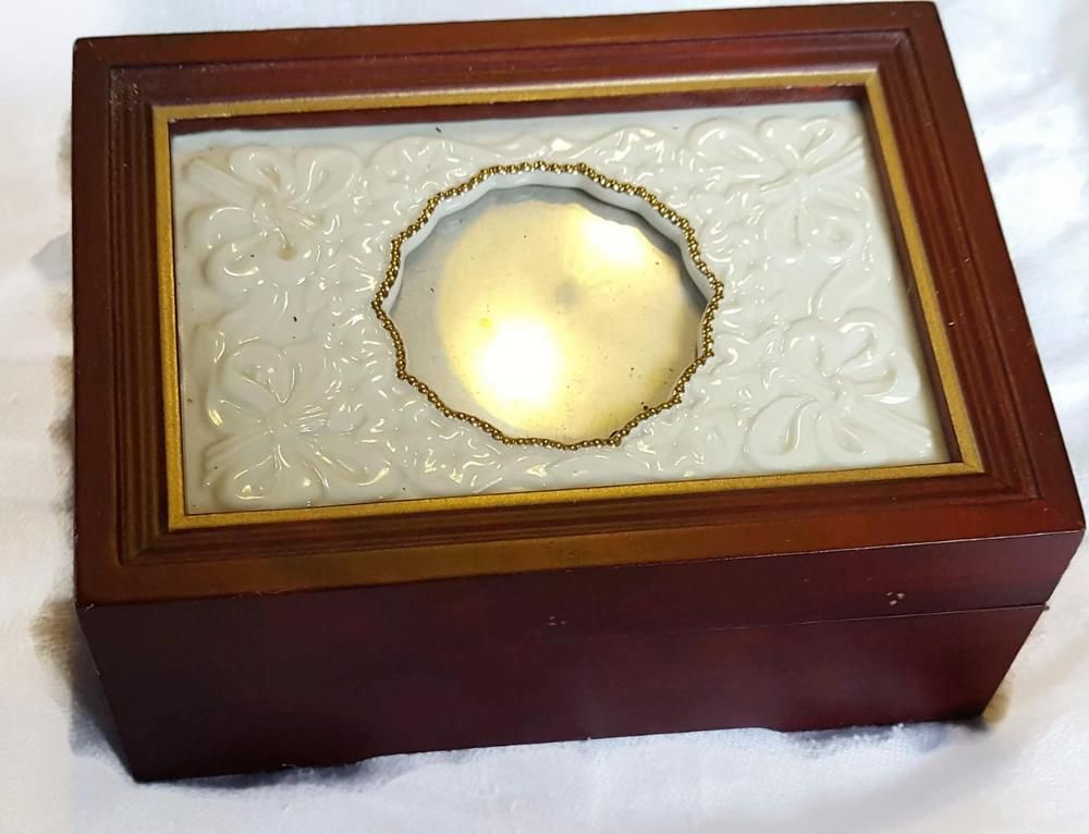 Lenox Jewelry Music Box Porcelain Frame Lid Cherry Wood Box Love