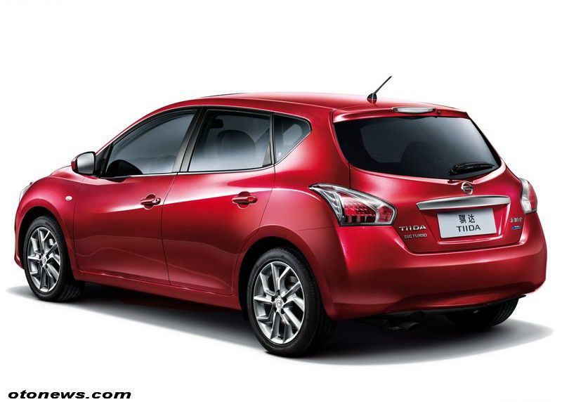 Nissan Tiida 16 Photos News Reviews Specs Car Listings Nissan Tiida Nissan Hatchback