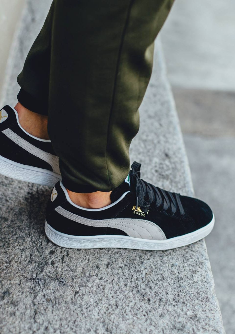 huge selection of 993b7 3e377 Puma Suede  Black