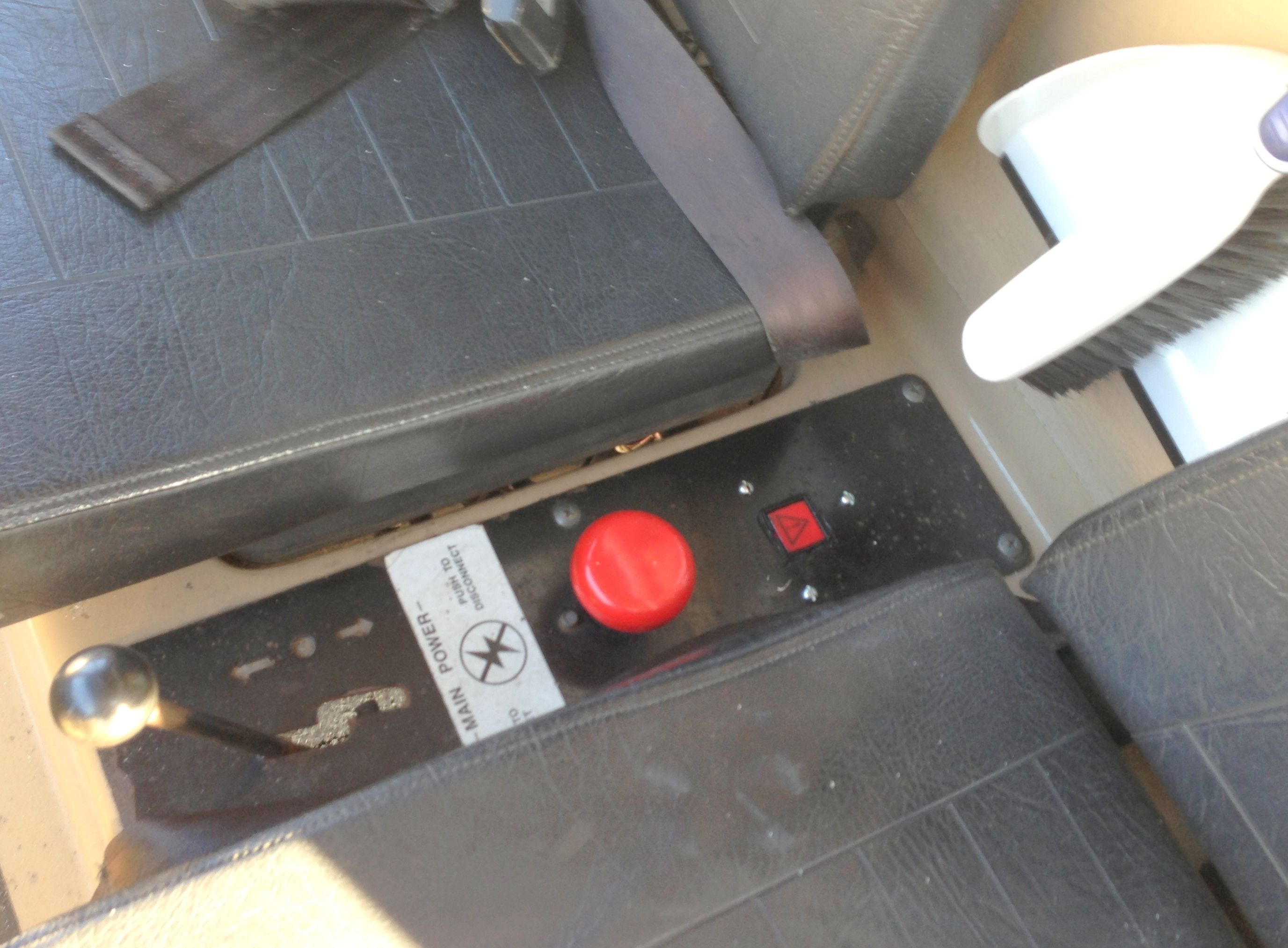 Et 150 74 Electruck Cab Interior By Taylor Dunn With Hts Systems Wiring Harness Led Idec 12vdc Momentary Dash Release Switch Installed Tmh Toyota Material Handling Of