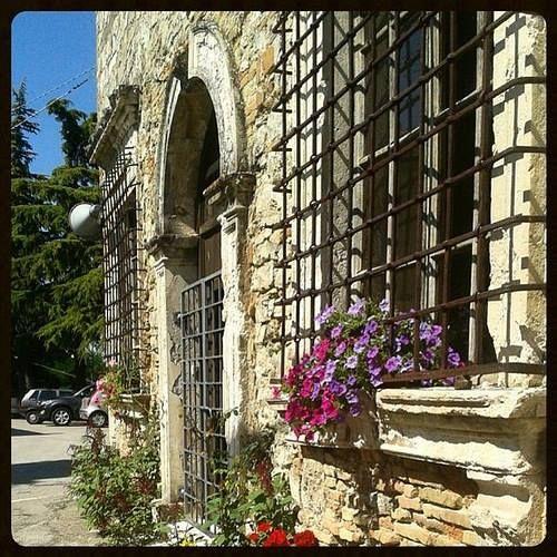 #tempio #malatestiano di #montecodruzzo #church #cesena #romagna #cesenaturismo #streetphotography #colors #igfriends_emiliaromagna_ #valsavio #instaromagna #igfriends_emiliaromagna_ #igersemiliaromagna #ig_forli_cesena #ig_emiliaromagna #vivoemiliar - #square squareformat iphoneography instagramapp http://buff.ly/1PEnH8p