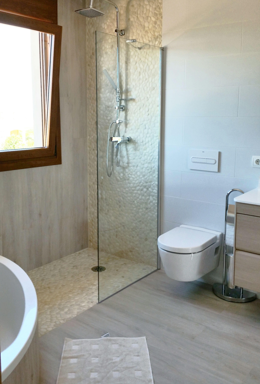Douche En Galet Blanc De Riviere Salle De Bain Pinterest House