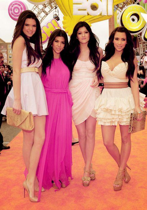 PHOTOS: The Youngest Kardashian Sisters Step Out   Kourtney kardashian