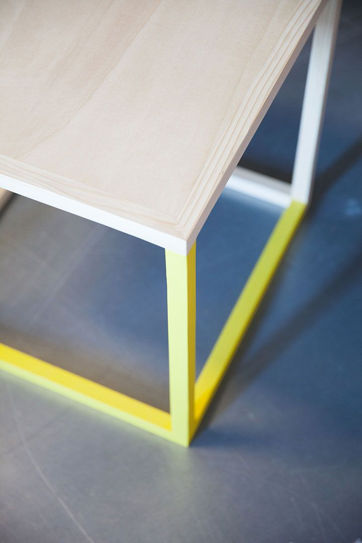 Hekla Exhibition Stand 18h39 Une Idee Castorama Bois Jaune Stand Design Cube Table Basse 18h39 Castorama Et Interieur Design
