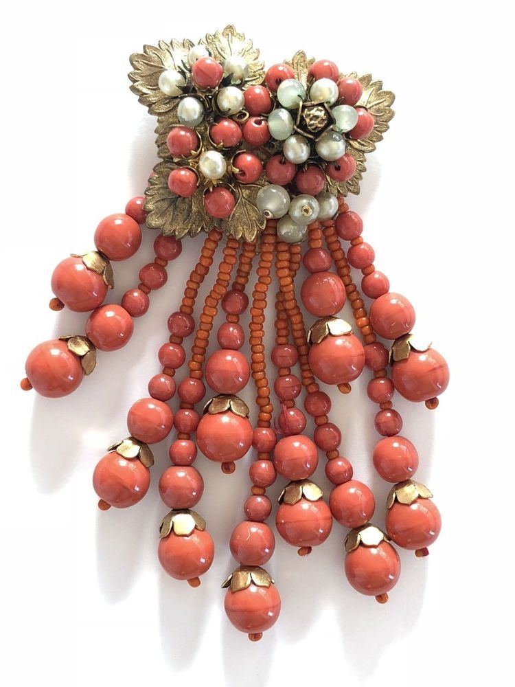 Vintage Miriam Haskell Beaded Coral Art Glass Dress Clip (222) #MiriamHaskell - Miriam haskell jewelry, Dress clip, Beaded - 웹
