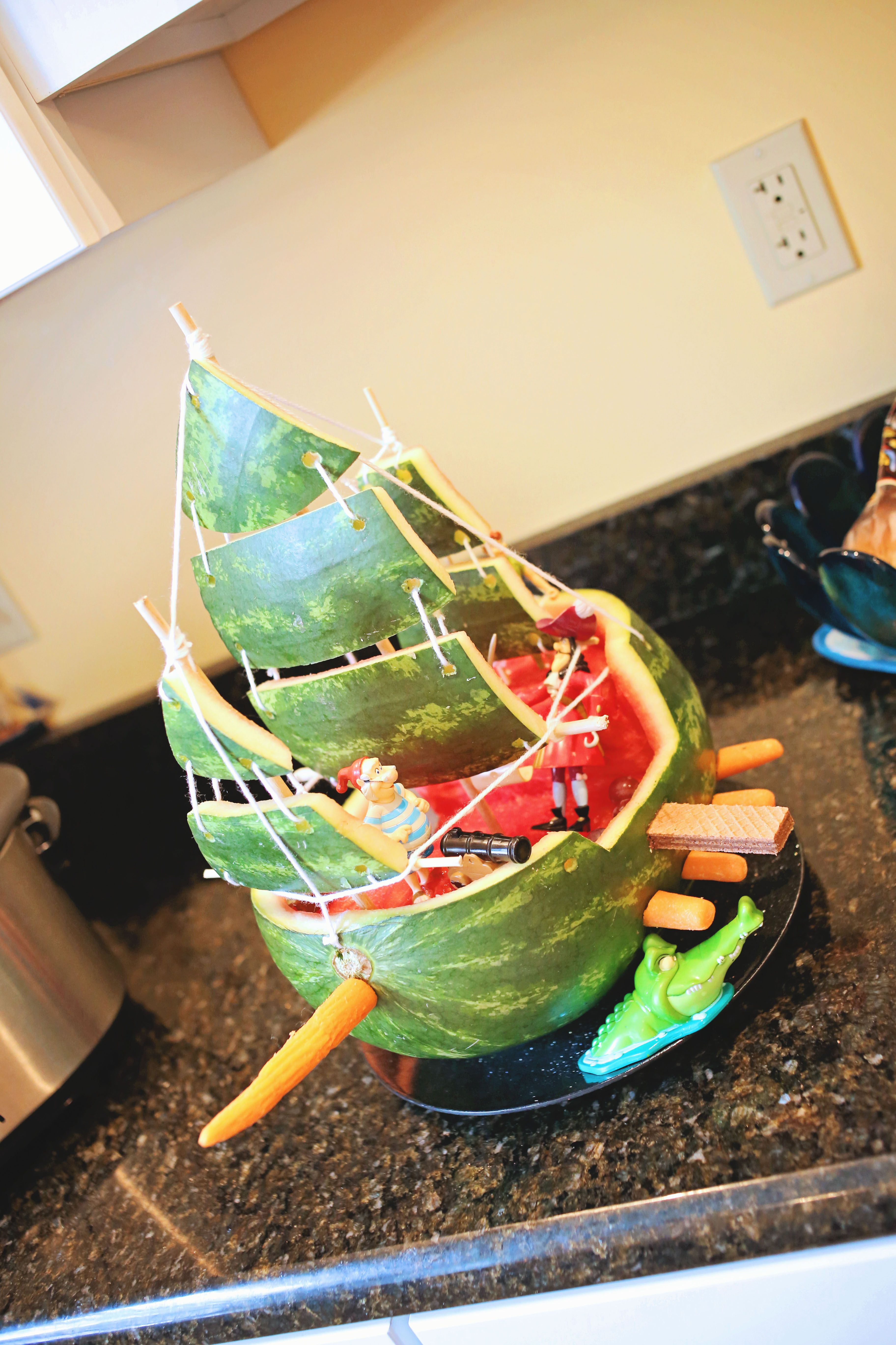 pirate ship watermelon peter pan birthday party captain hook jolly roger kids birthday. Black Bedroom Furniture Sets. Home Design Ideas
