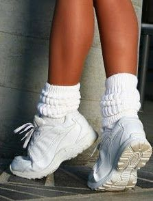 does this remind anyone of hooters?? Slouchy Socks #whitesneakers #90s #NastyGal