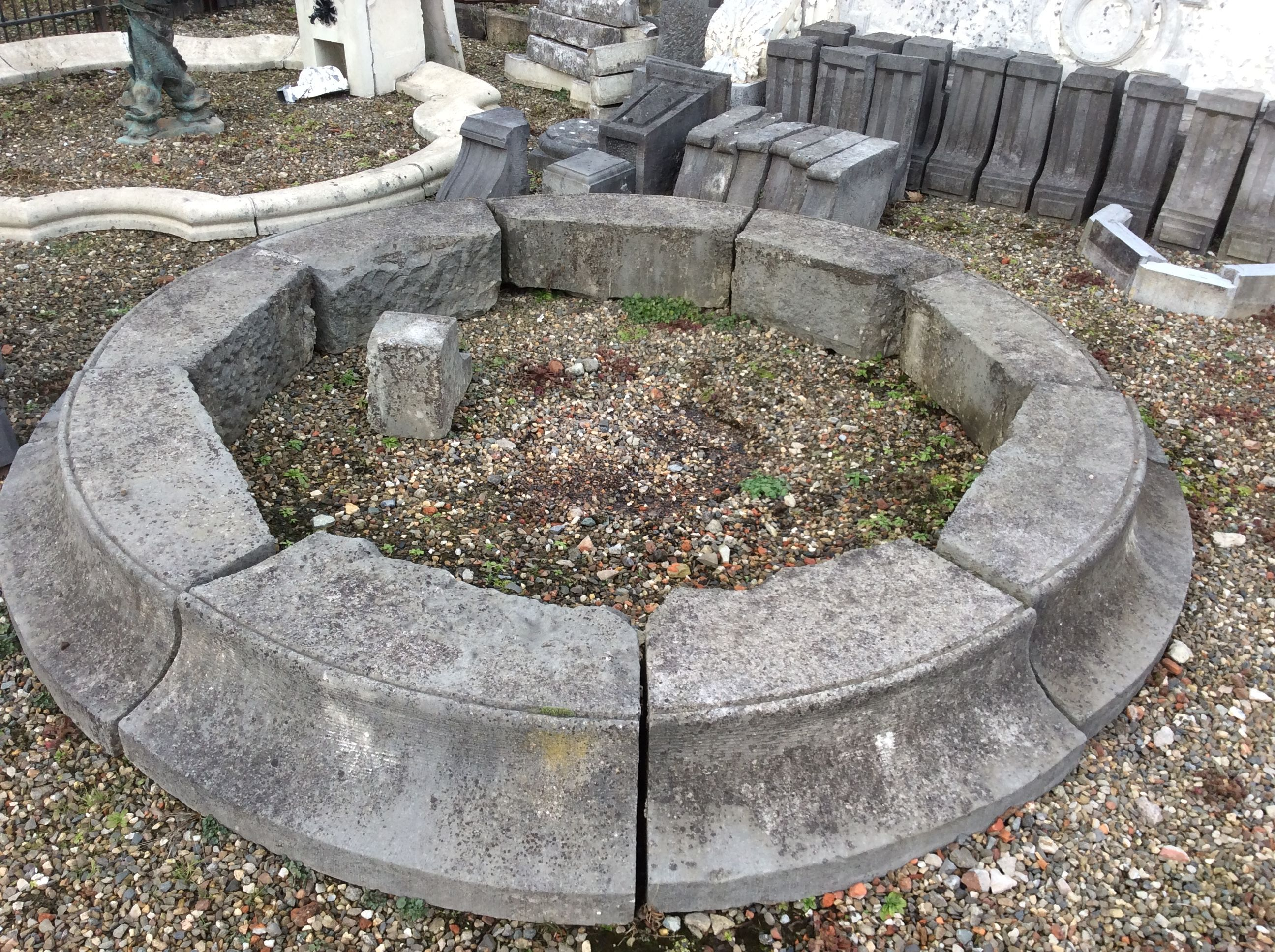 Antieke arduinen ronde fontein moluur vijver antiek for Drukfilter vijver te koop