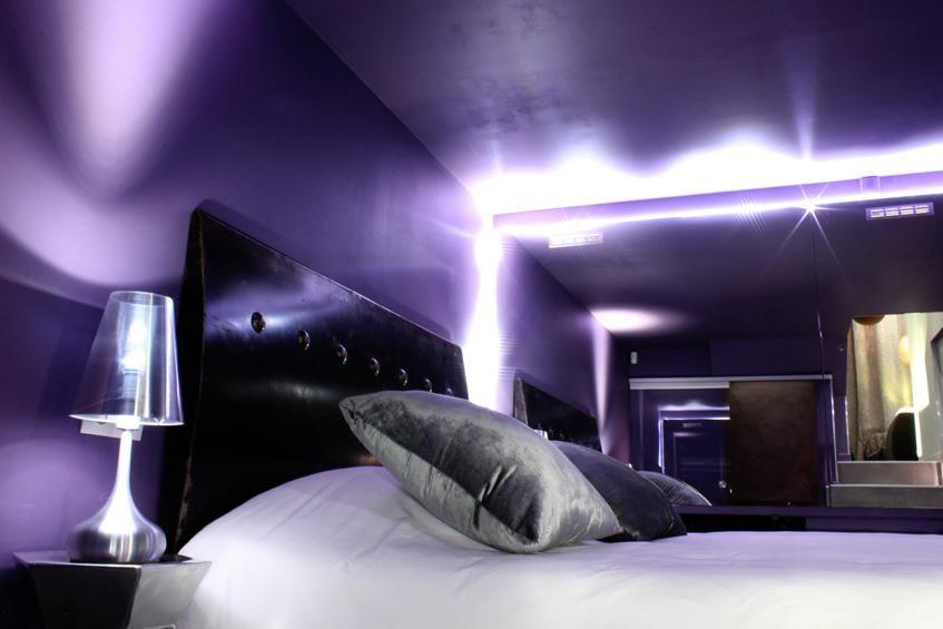Appartement Lille Spa Privatif Avec Jacuzzi Private Room Bain A Bulles Sejour En Amoureux Sauna Infrarouge