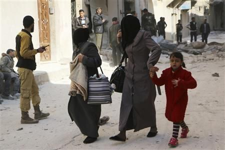 """Miles huyen de pueblo sirio ante inminente """"gran ataque"""" - http://www.bloquepolitico.com/miles-huyen-de-pueblo-sirio-ante-inminente-gran-ataque/"""