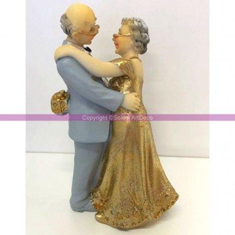 couple mari depuis 50 ans anniversaire de mariage des noces d 39 or maison mariage. Black Bedroom Furniture Sets. Home Design Ideas