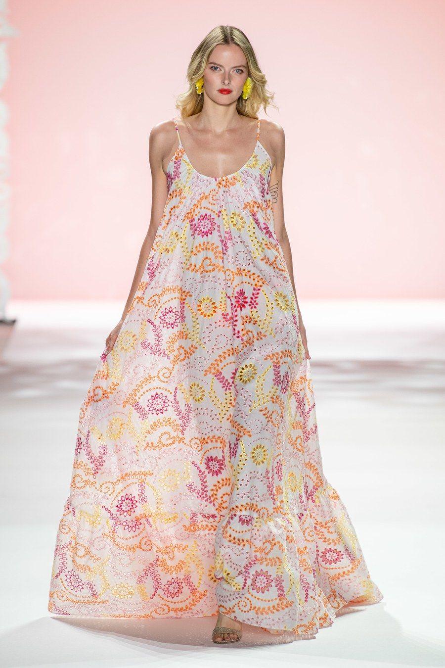 Spring 2020 Usa.Badgley Mischka Spring 2020 Ready To Wear Fashion Show In
