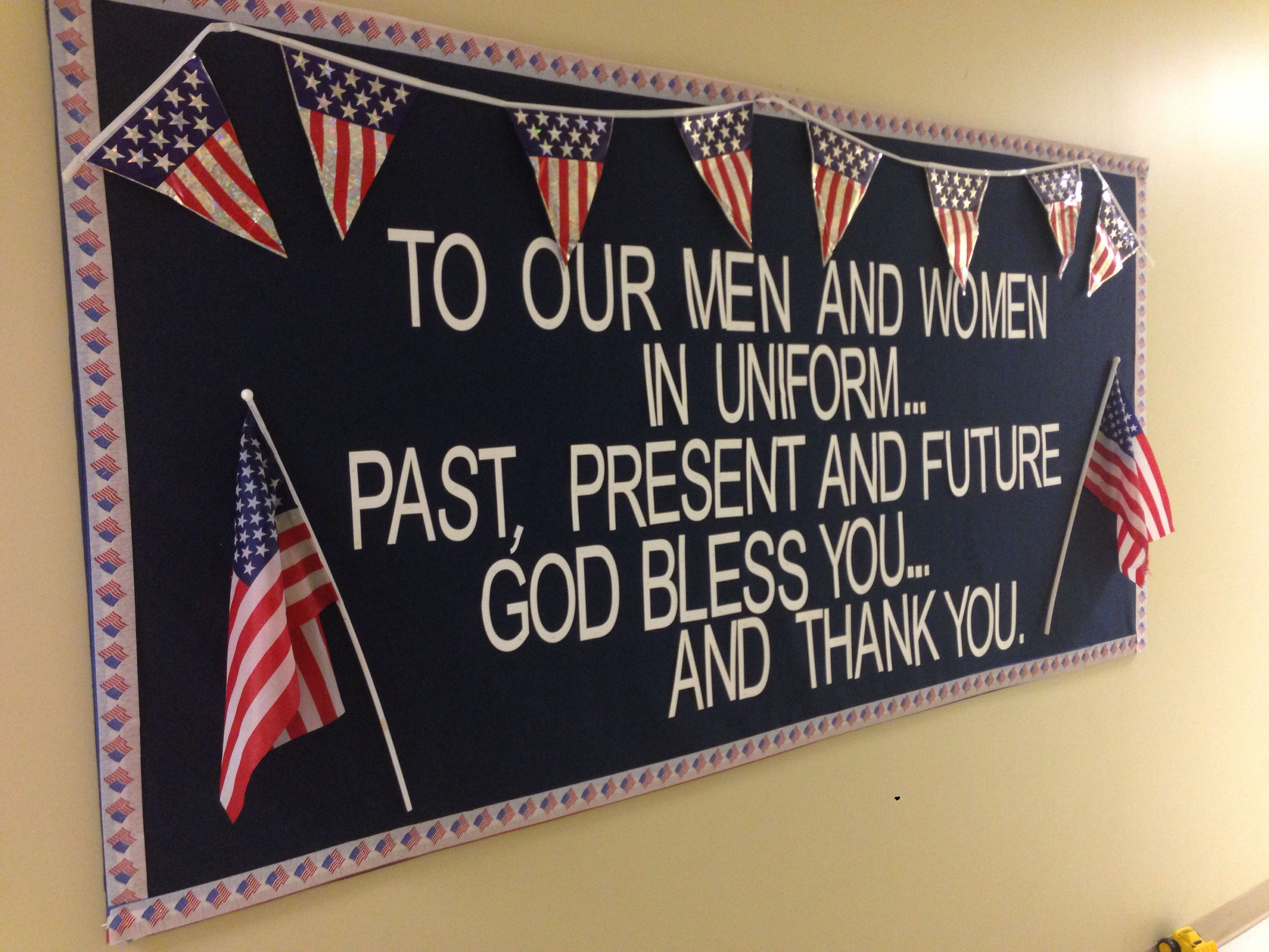 Pin By Danielle Holt On Bulletin Boards Memorial Day Decorations Veterans Day Activities Veteran S Day