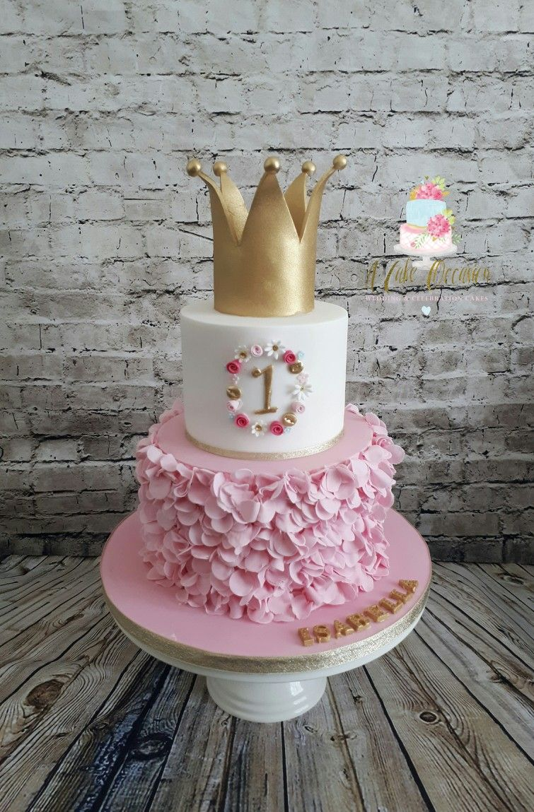 1st birthday cake. Ruffles and crown Baby birthday cakes