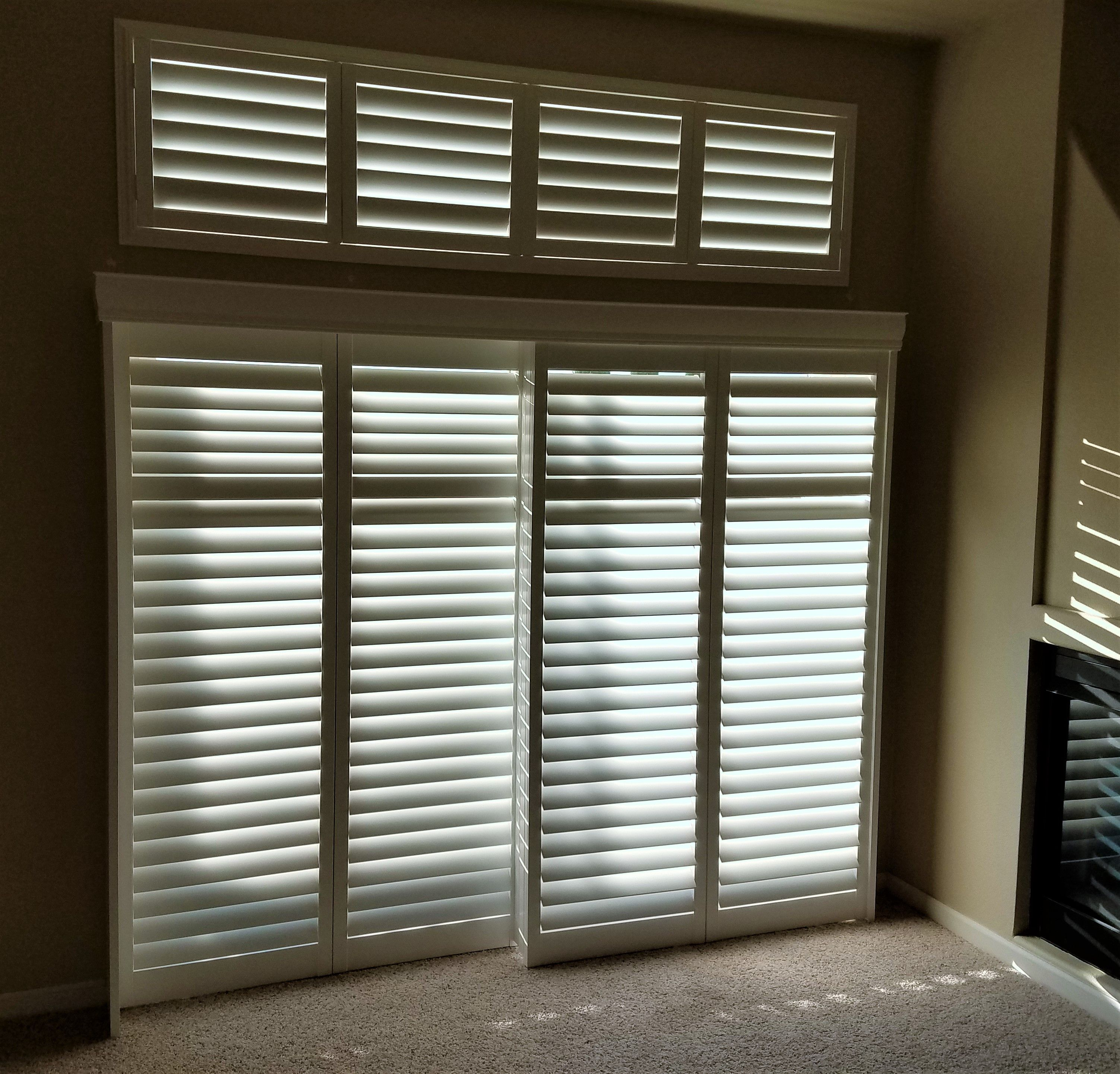 Hunter Douglas 3 1 2 Palm Beach Shutters Used On A Sliding Glass Door Transom Above Color Bright Whi Popular Window Treatments Sliding Glass Door Shutters
