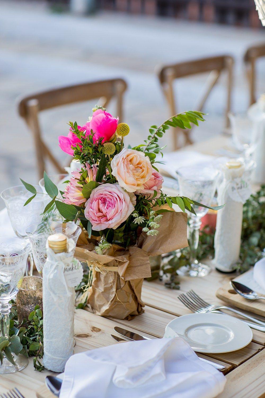 Die 5 sch nsten tischdeko ideen f r lange tafeln hochzeitsfotos ideen tischdeko tischdeko - Brautpaar tischdeko ...
