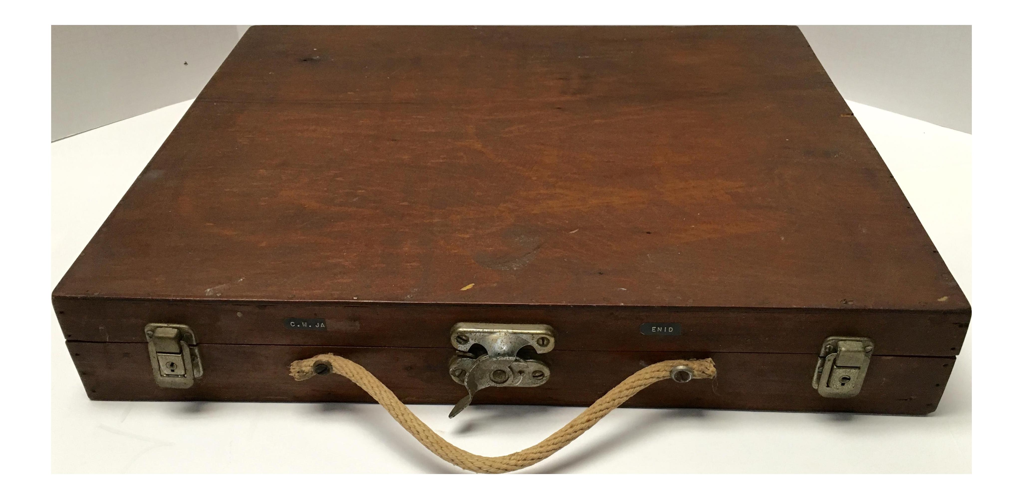 Vintage Handcrafted Primitive Artist S Case