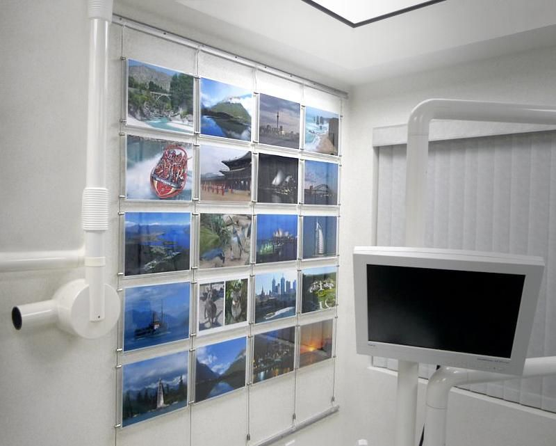 Exceptional Picture Hanging Track U0026 Acrylic Pocket Display | AS Hanging Systems