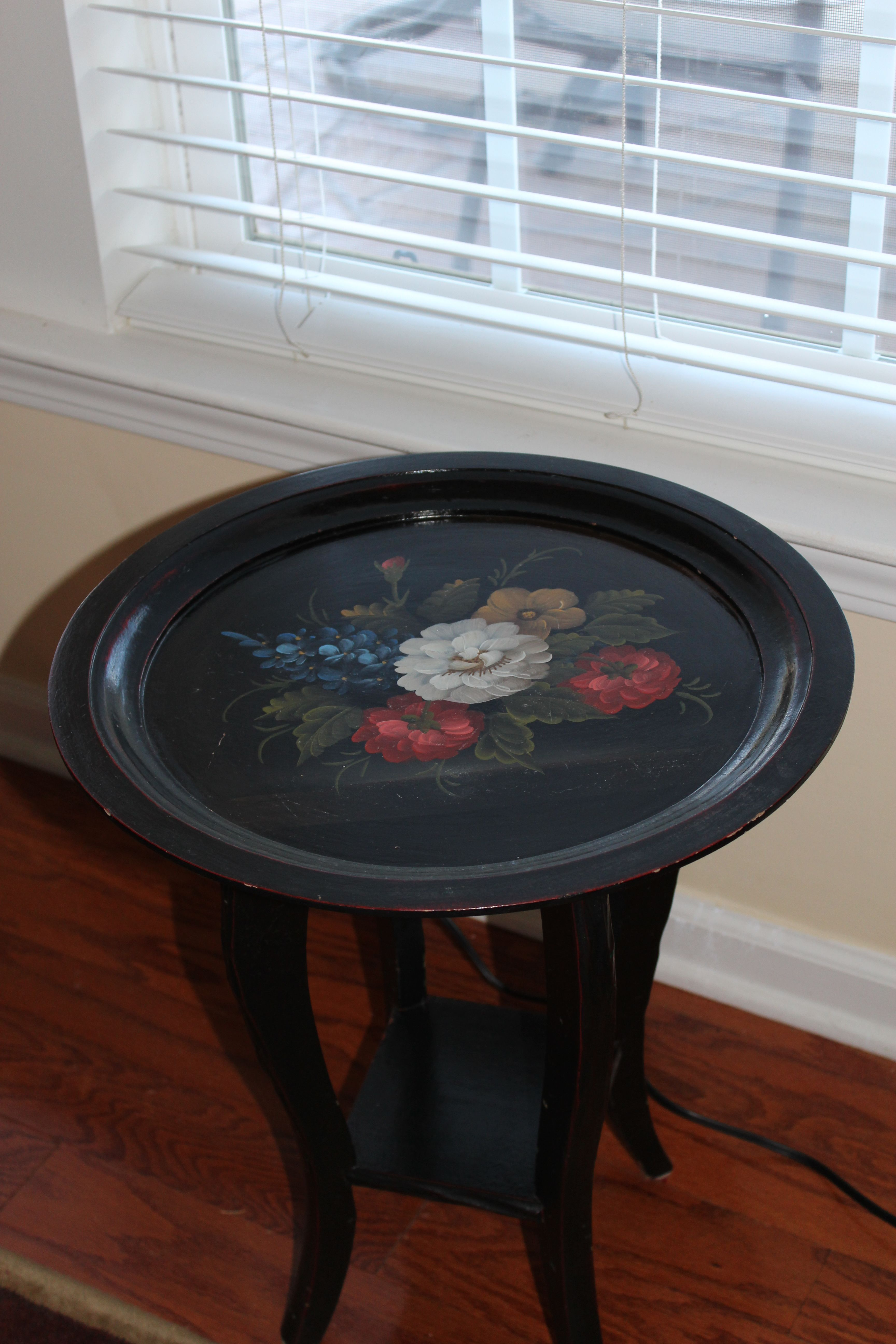 Made this accent table from a serving tray!     Interesting
