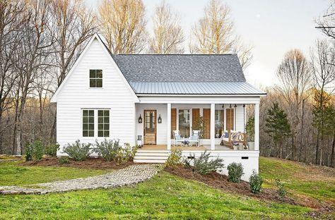 96 Beautiful Small Farm House Design Ideas Cottage House Exterior Modern Farmhouse Exterior Small Farmhouse Plans