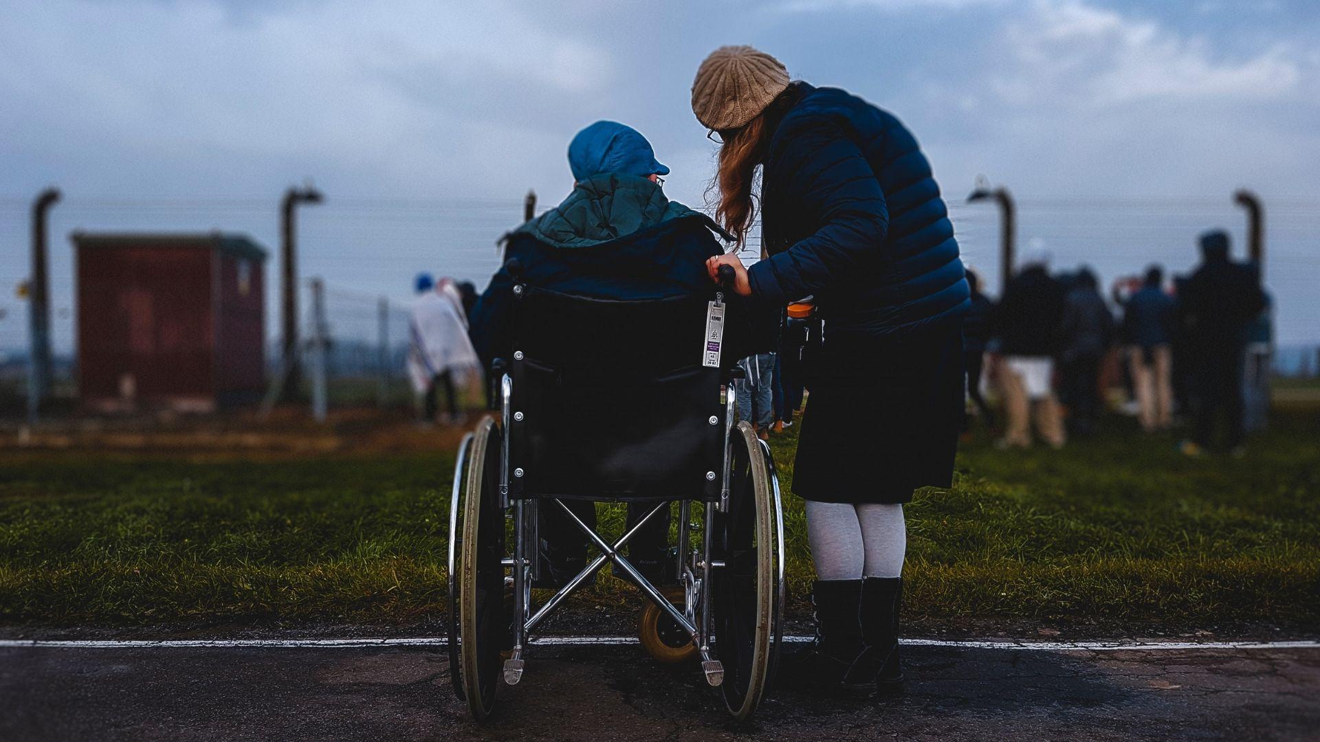 Gundelik Hayatta Engelli Dostlarimiza Karsi 5 Sorumlulugumuz Caregiver Elderly Care Parkinsons Disease
