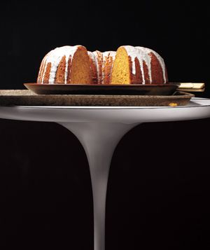 Dreaming of so many pumpkin-flavored things, but especially my favorite spiced pumpkin cake.