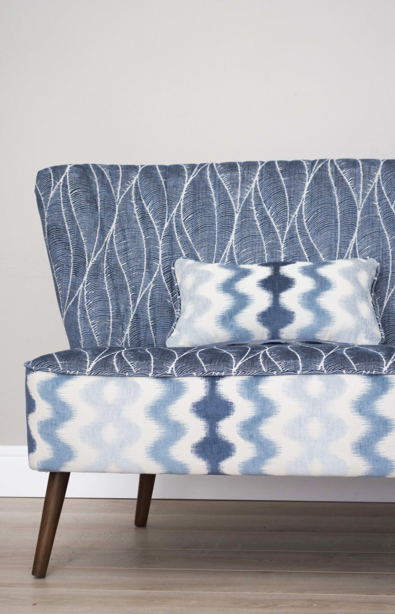 Blue Patterned Sofa And Cocktail Chairs Set Photo 8