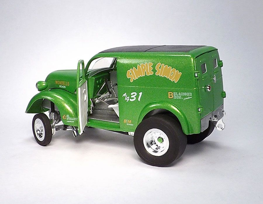 Tom Valenta Scale Auto Magazine Panel Truck Plastic Model