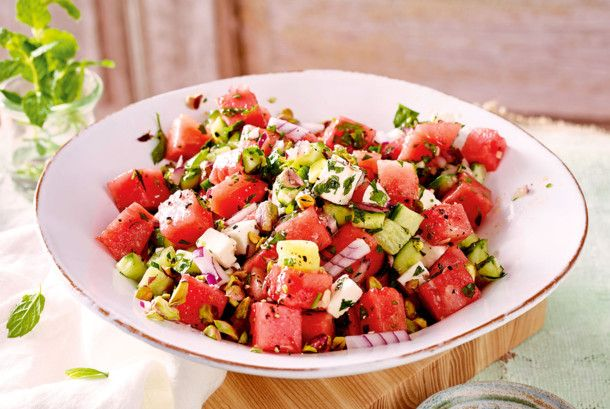 wassermelonen gurken salat mit feta rezept essen feta salat salat und feta. Black Bedroom Furniture Sets. Home Design Ideas