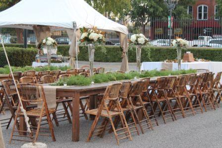 burlap, roses, and magnolias. #Southern #wedding #eventplanning #VeryVera