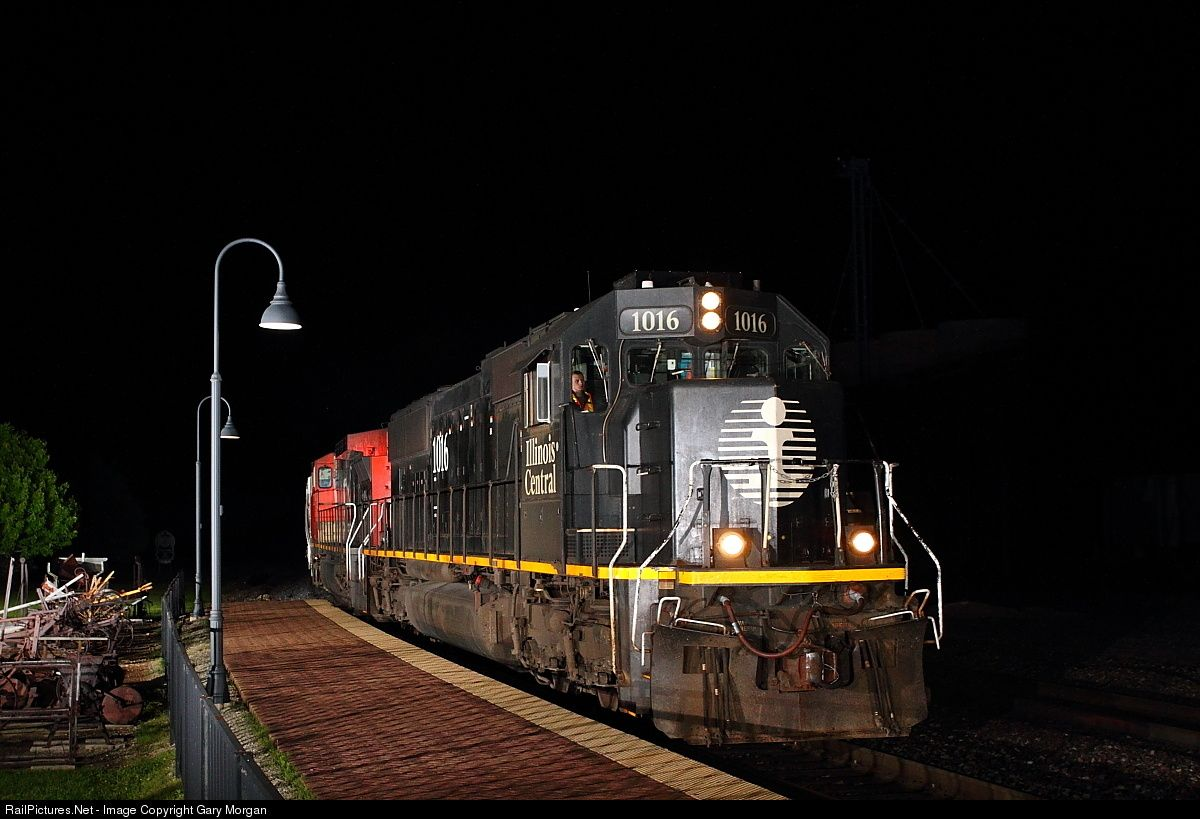 RailPictures.Net Photo: IC 1016 Illinois Central Railroad EMD SD70 at Mendota, Illinois by Gary Morgan