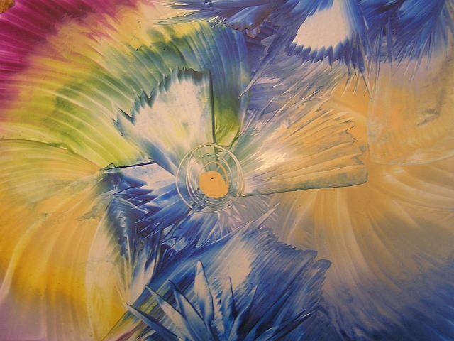 Kurz Enkaustiky - žehlíme vianočné motívy s farebnými voskami Srdečne Vás pozývame na špeciálnu novembrovú enkaustiku, ktorá sa bude niesť v duchu predvianočného času. Namaľujeme si vianočné pozdravy a obraz, budeme tvoriť na sklo s motívmi Vianoc a nažehlíme si drevené ozdoby, ktoré okrášlia naše domovy.    Kedy: vo štvrtok 27.11. o 17,00 hod. do 20,00 hod.   Kde: Galéria ZIV, Trenčianska 53, Ba-Ružinov  Cena:40 eur Organizuje: www.ziv.sk
