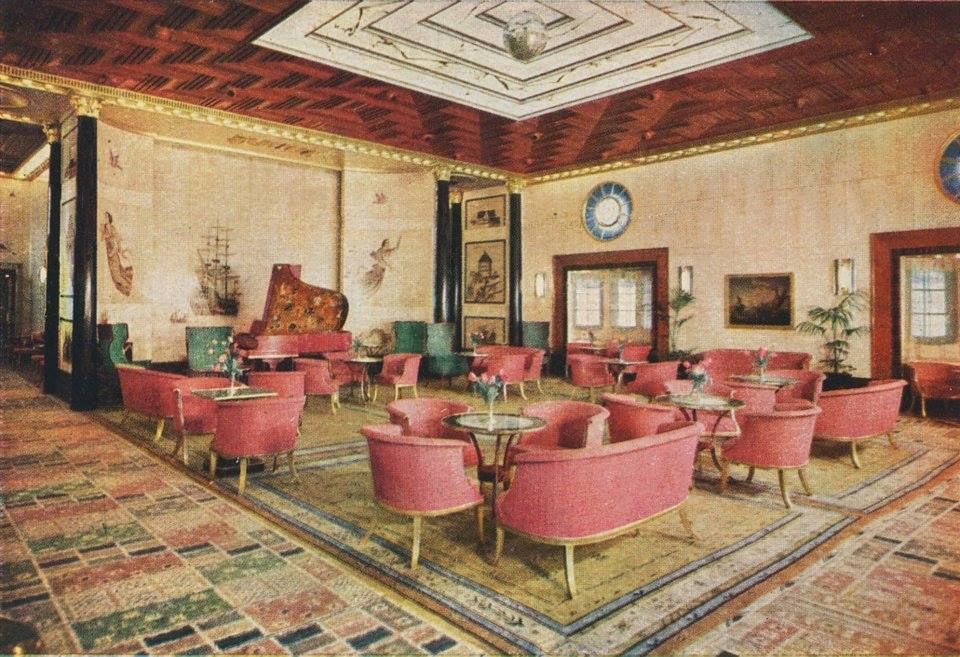 First class lounge on the kungsholm of swedish america