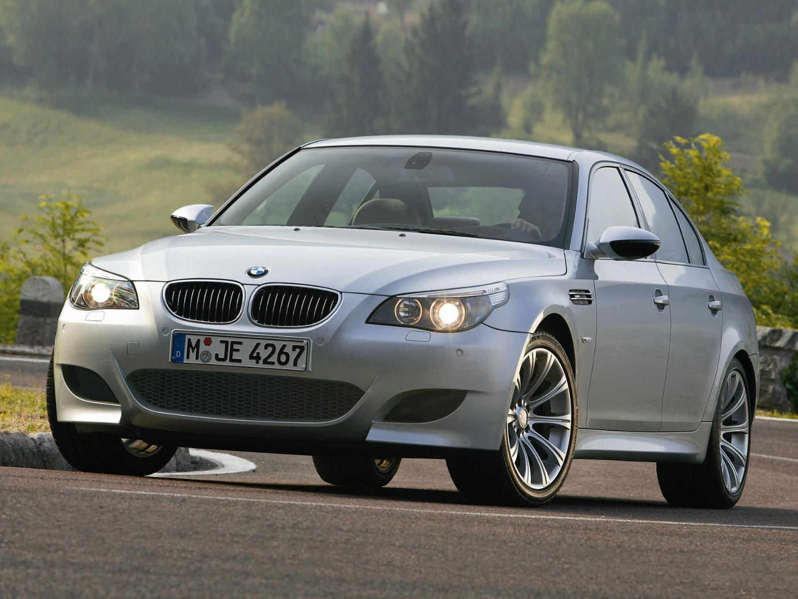 BMW M5 E60 5 Series (2003-2010) | Bmw m5, Motor v10, Bmw