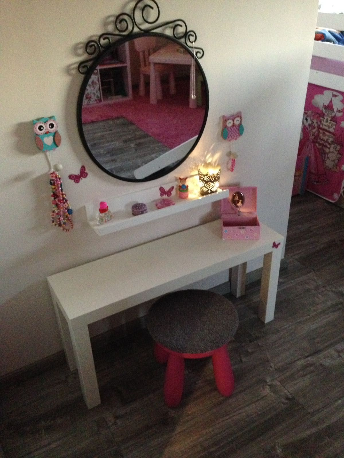 Kinder Schminktisch  Ikea Ideen in 2019  Pinterest  Kinder zimmer Kinder schminktisch und