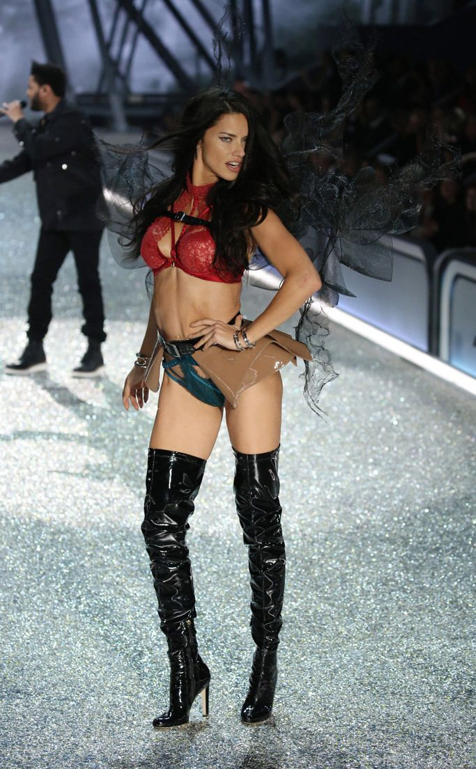 Adriana Lima Victorias Secret Fashion Show 13 Jpg 683 1104
