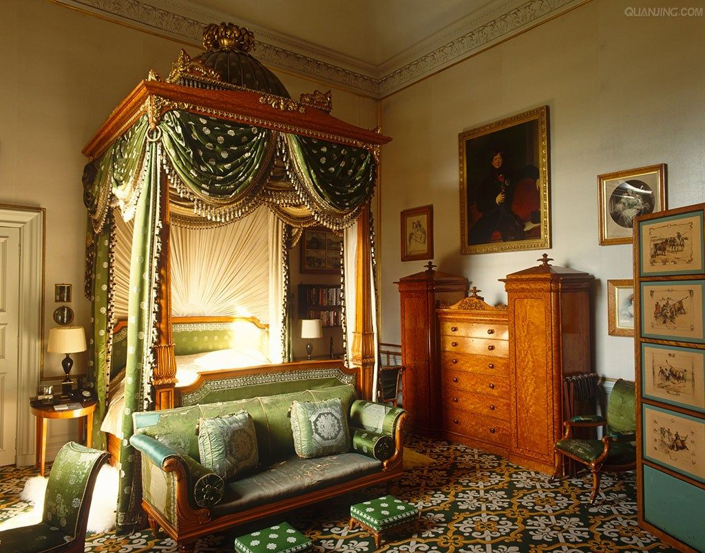 Regency Bedroom Furniture Chatsworth House In The Chintz Bedroom An Enormous Regency Domed
