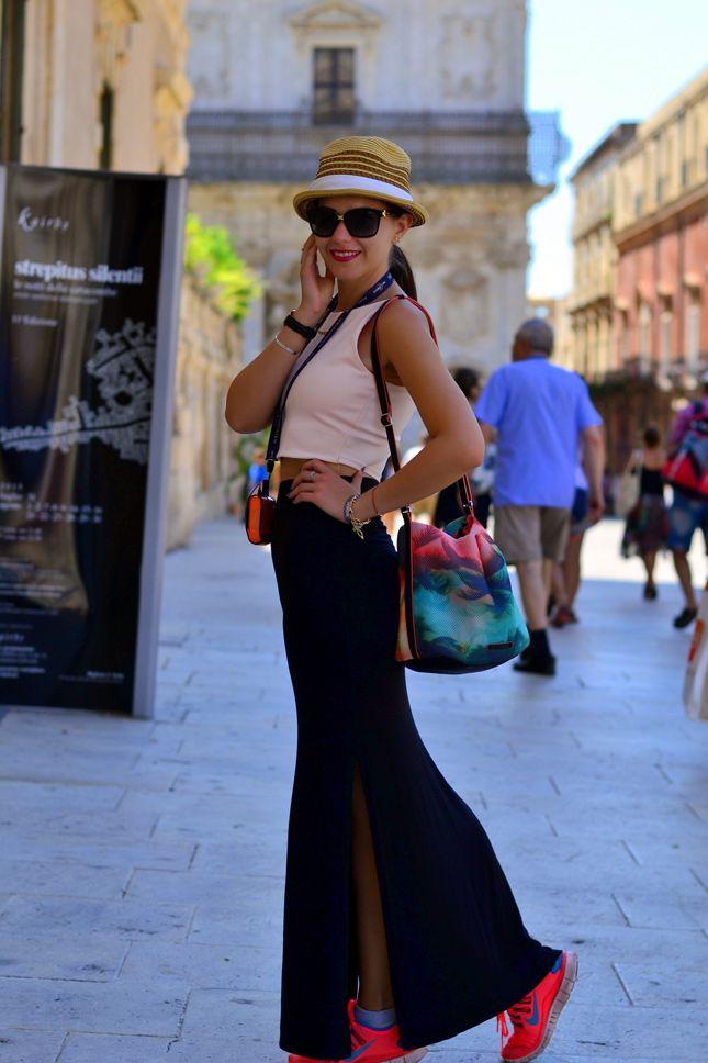 Nike-Neon-Pink-Sneakers  European travel blog| Syracuse, Sicily | #Cvetybaby http://cvetybaby.com/syracuse-sicily/ #travel #sicilia #blog #blogger #fblogger #lifestyle #siracusa