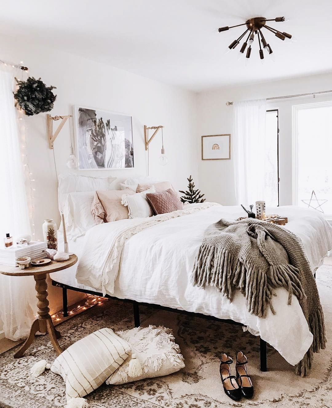 Pin by autumn on Family lyfe | Beautiful bedroom decor ... on Comfy Bedroom Ideas  id=16926