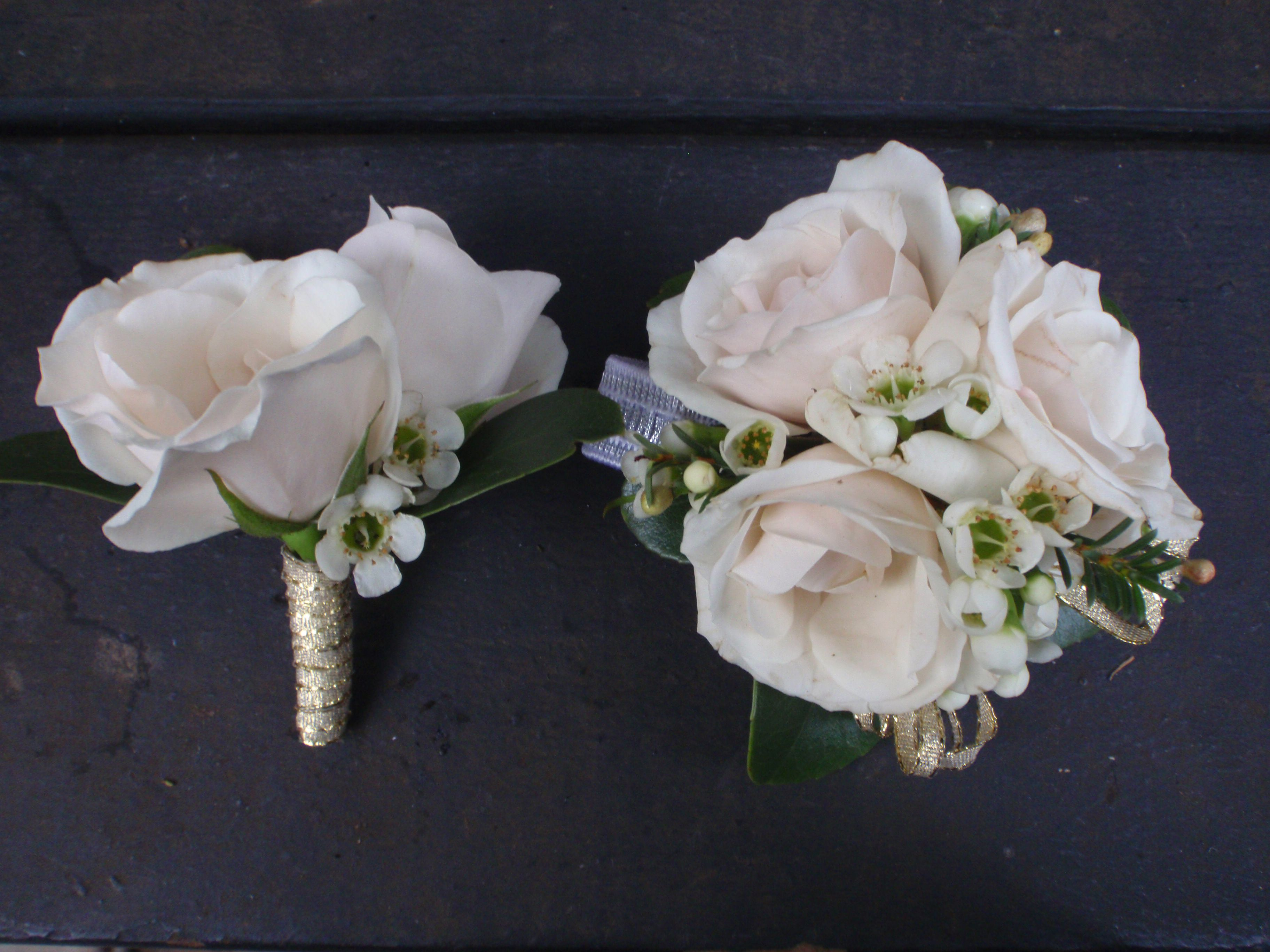 Garden Rose Boutonniere matching boutonniere and corsage with white spray roses | corsages