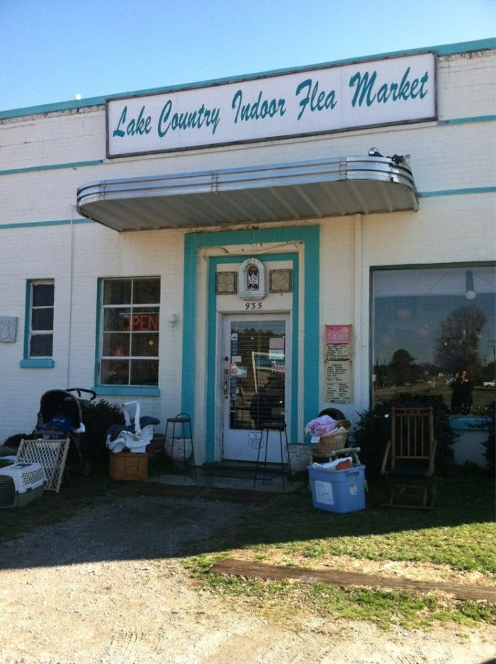 17 Must-Visit Flea Markets In Virginia Where You'll Find