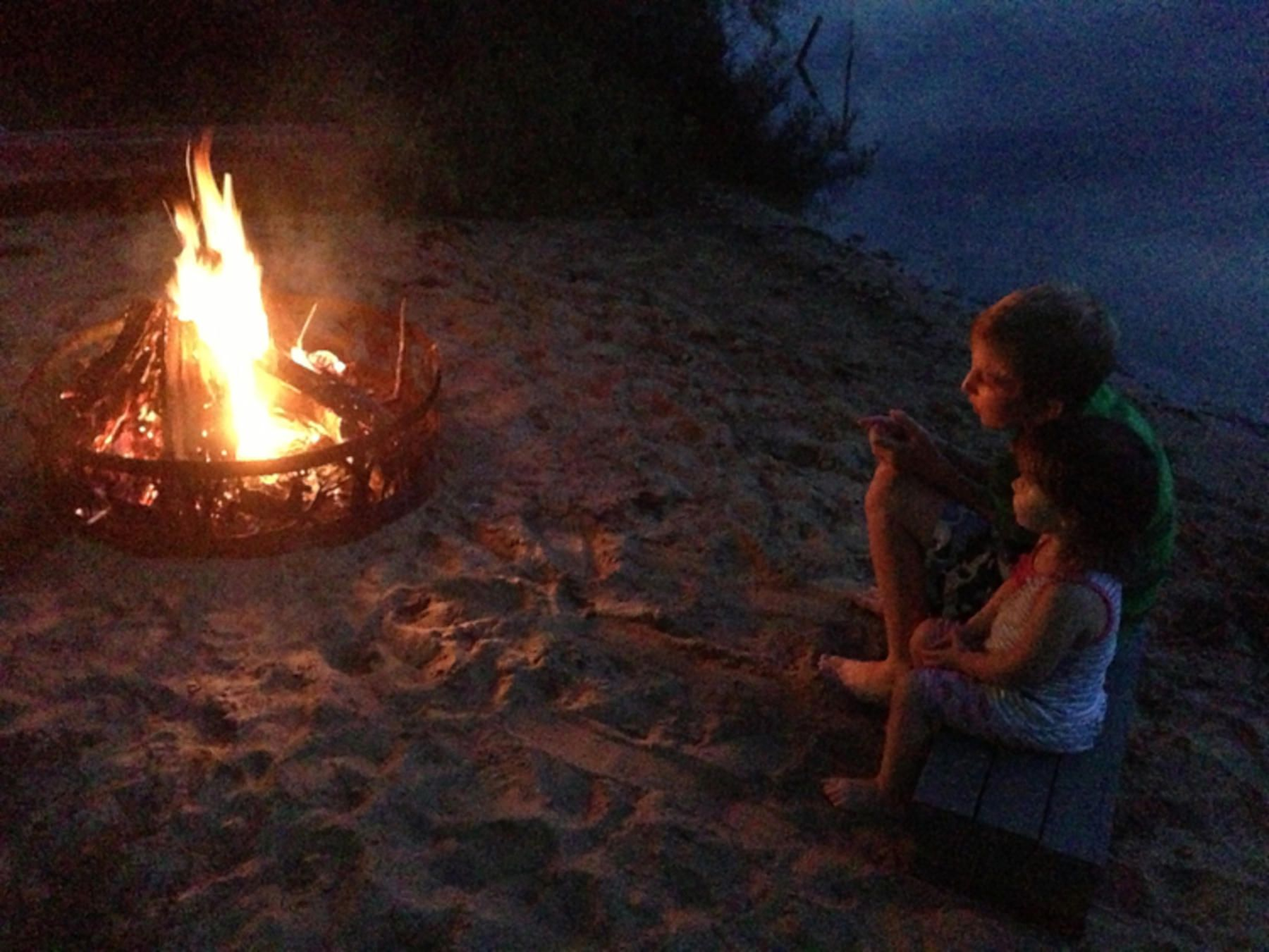 Family camping trips can be unpredictable - find out what to expect AND how to handle clean-up! | summer | family vacation | laundry tips | funny list | parenting humor from @RobynHTV