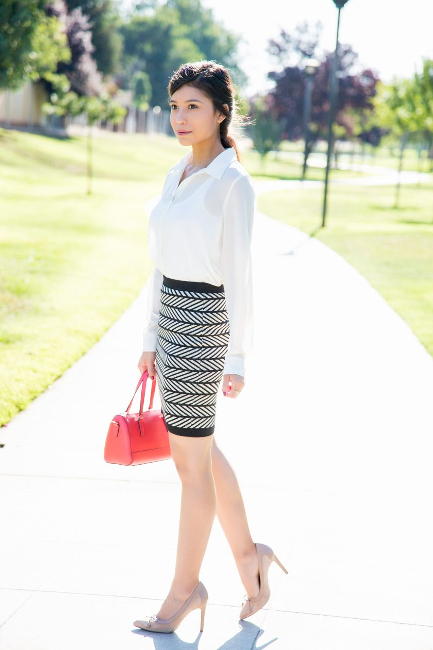 ed3ef510c7 Patterned Pencil Skirt for the Office - Visit Stylishlyme.com for more  outfit photos and style tips