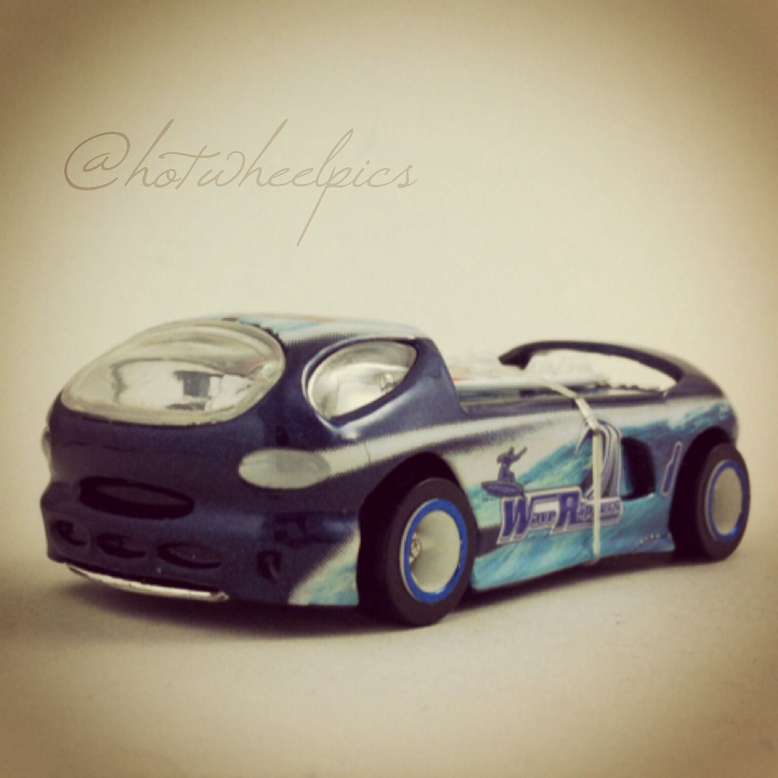 "Deora II - 2003 Hot Wheels HWY 35 ""Wave Rippers"" #hotwheels 