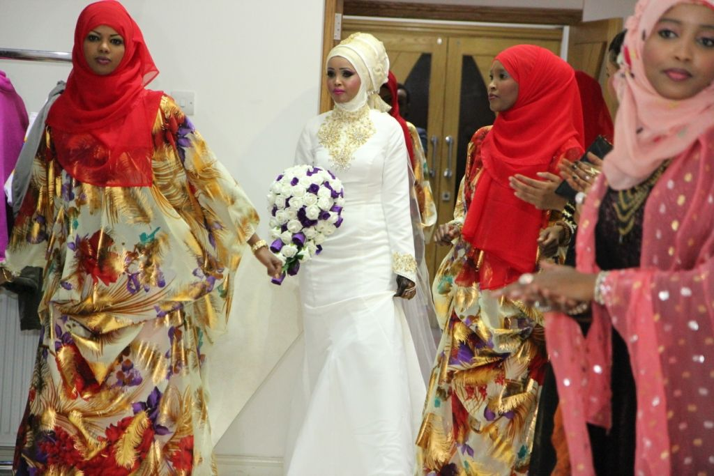 somali women | Weddings | Pinterest | Somali, Wedding dress and ...