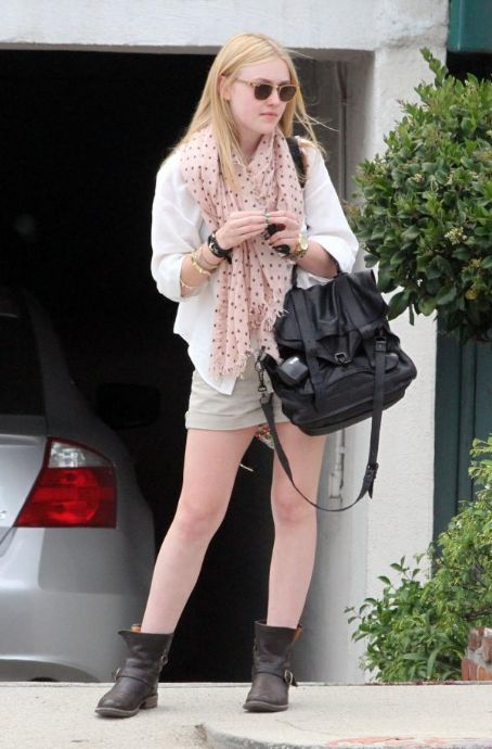 Teenage dream: Dakota Fanning: Street style