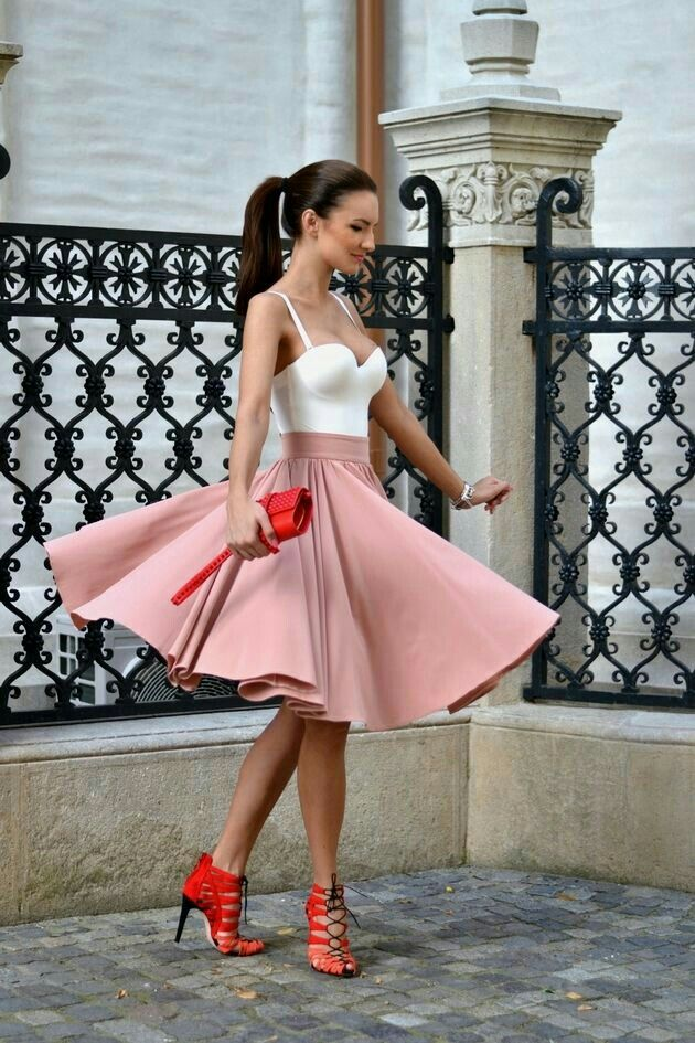 Adorable Valentine\'s Day outfit. I wish I had a flowy skirt like ...