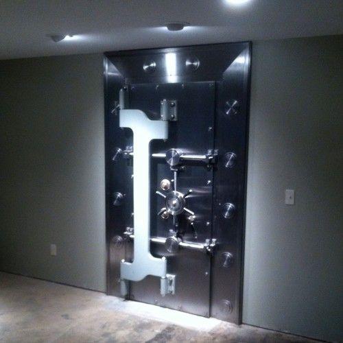 Mosler Bank Vault Safe Door | Safes & Vaults | Safe door