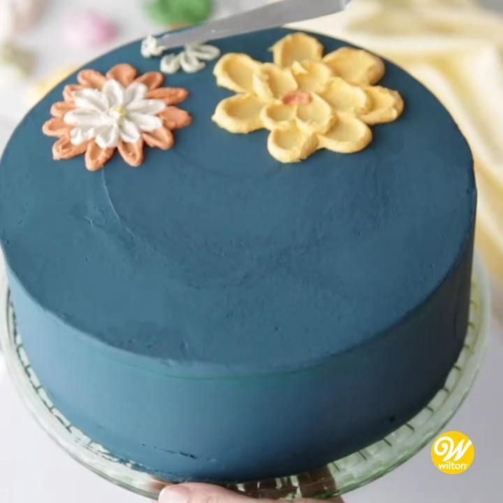 SUPER EASY BUTTER CREAM CAKE DECOR